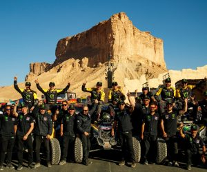 Equipe Monster Energy/Can-Am/South Racing comemora título dos UTVs no Rally Dakar 2020, na Arábia Saudita. Crédito: MCH Photography